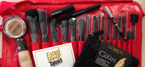 Kit Estasi Make up Talent